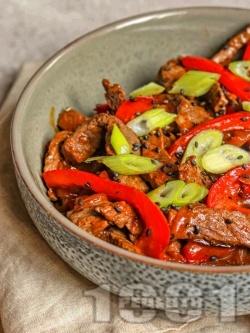 Пепър стек с говеждо месо, соев сос и кокосово масло - снимка на рецептата